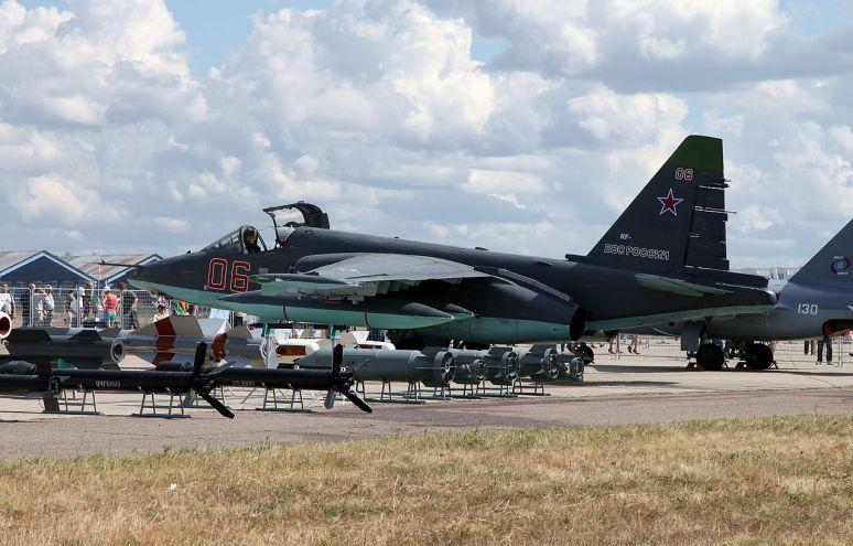 1280px-Sukhoi_Su-25SM_(1)